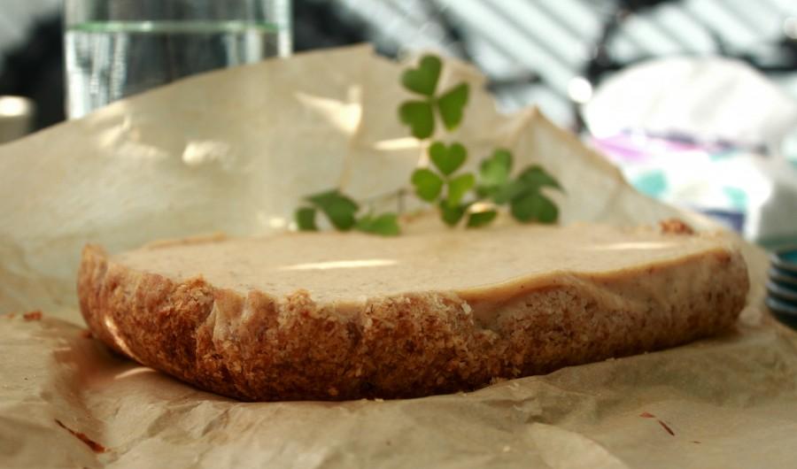 עוגת גבינה טבעונית אפויה