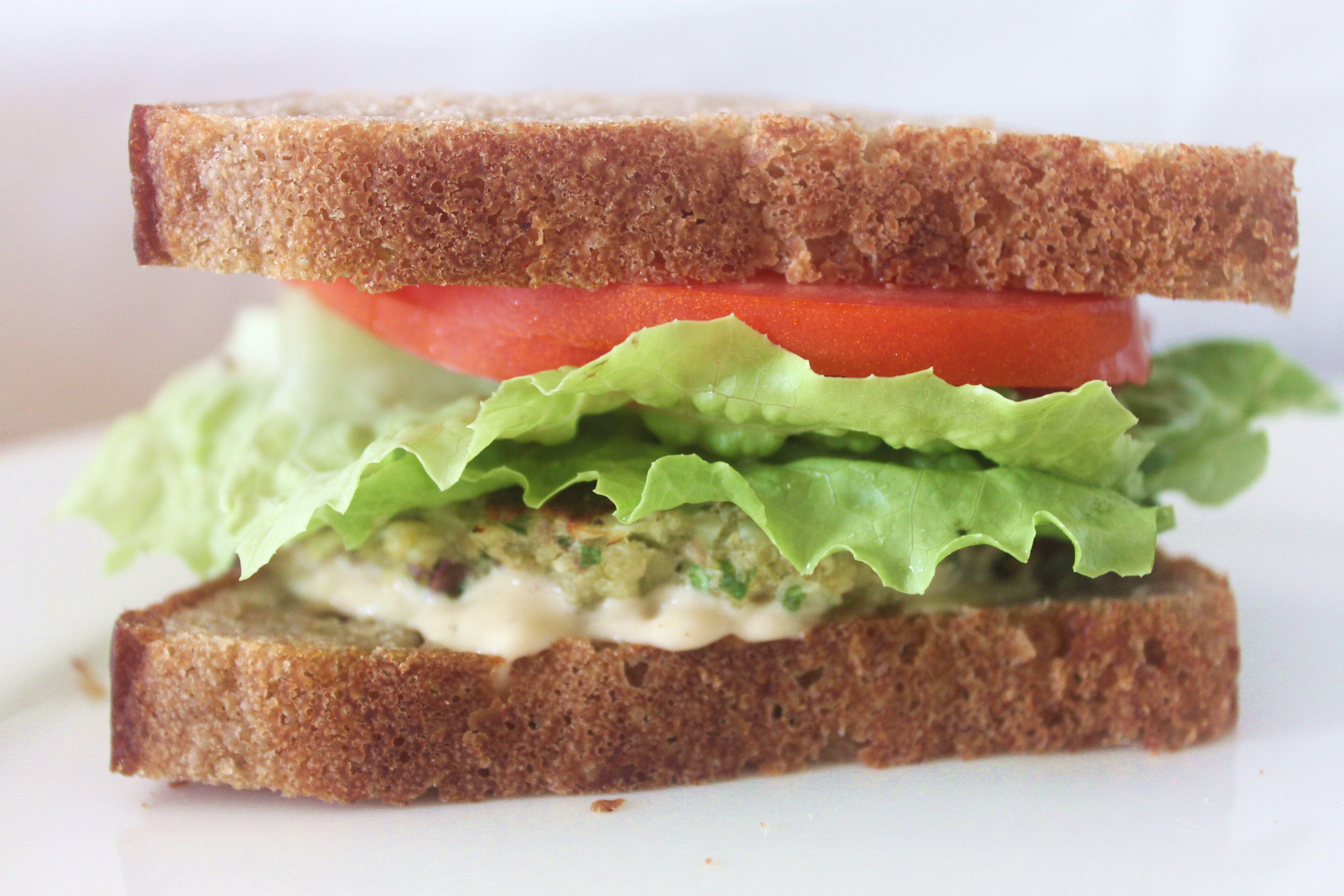 המבורגר טבעוני מעדשים מונבטים